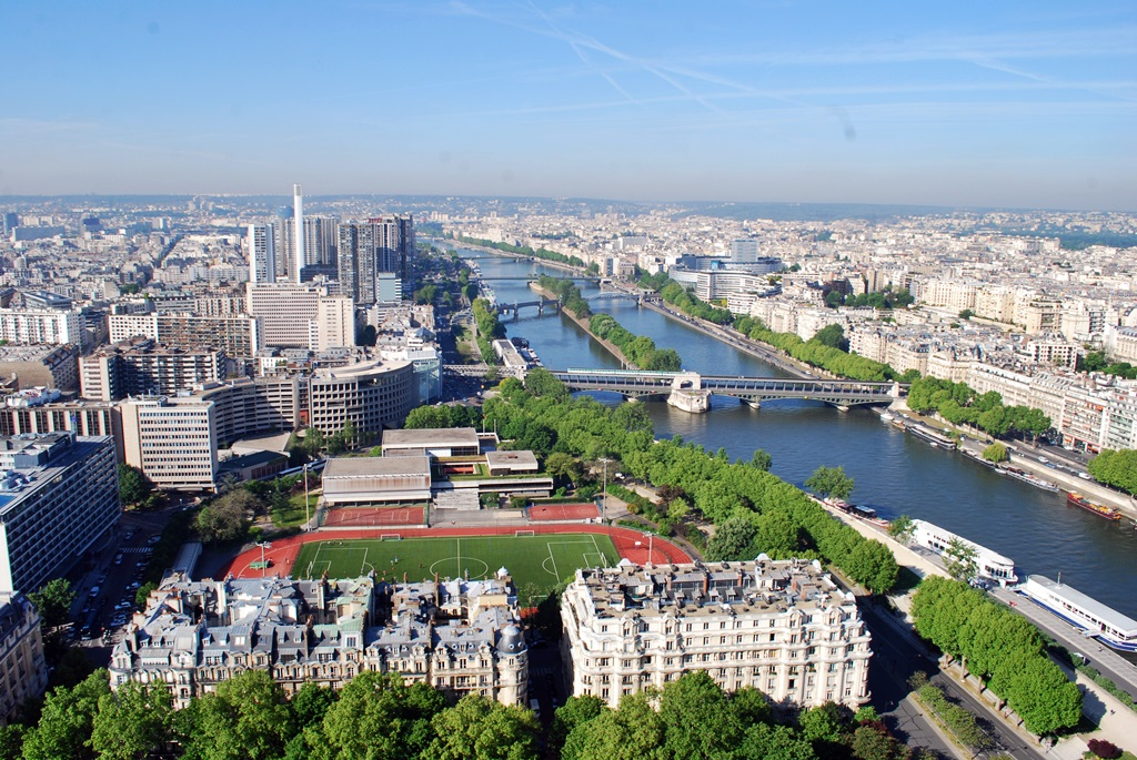 Seine, a view from the Eiffel Tower  | © TravellingBuzz Photo
