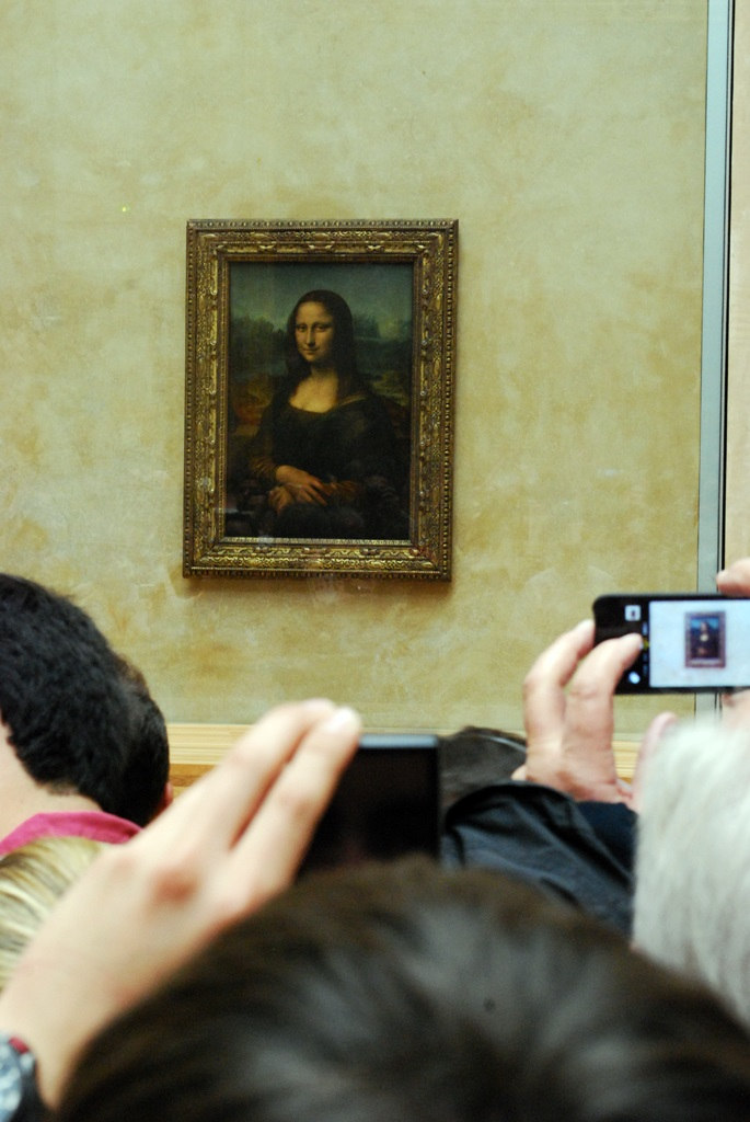 Mona Lisa, Louvre Museum, Paris | © TravellingBuzz Photo