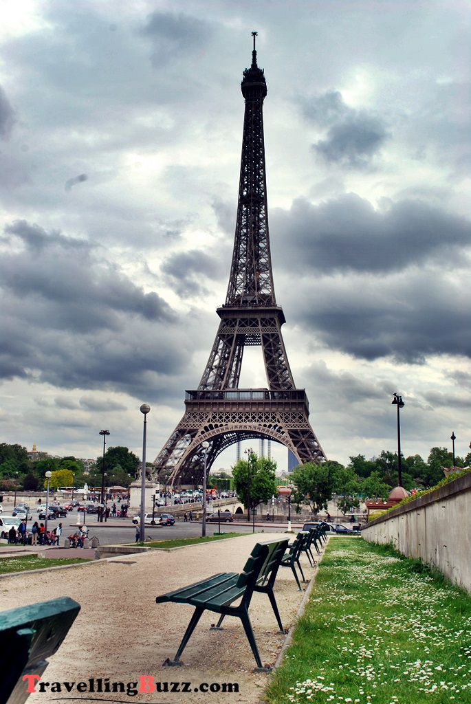 The Eiffel Tower  | © TravellingBuzz Photo