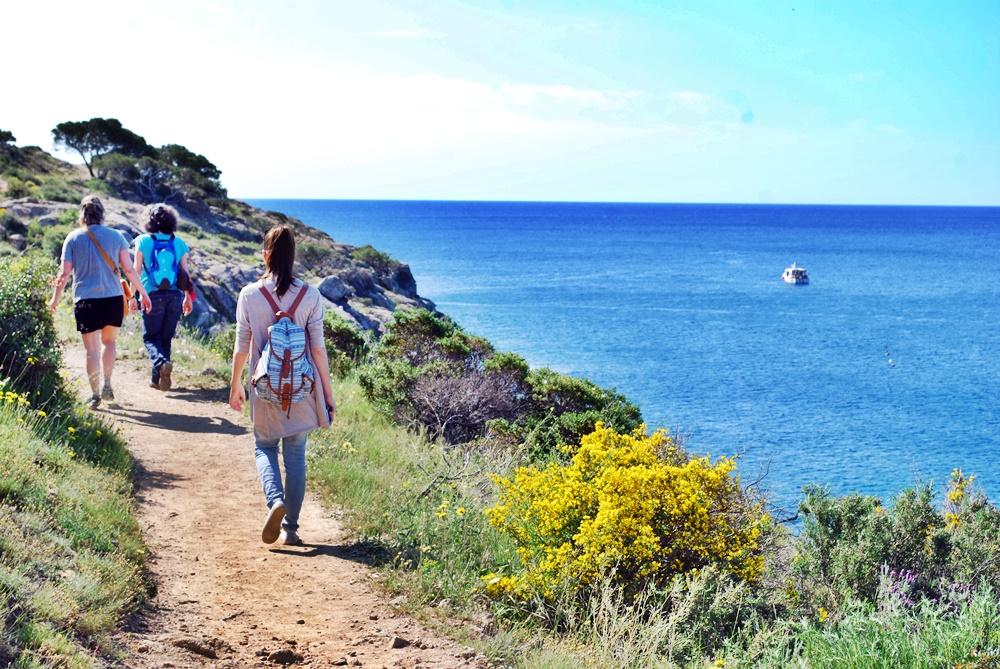 coastal-walk-roses-spain