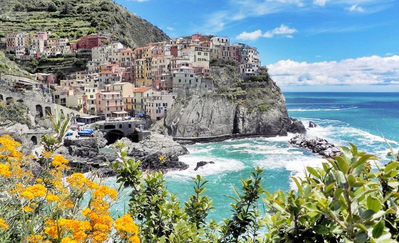 Manarola Italy tours
