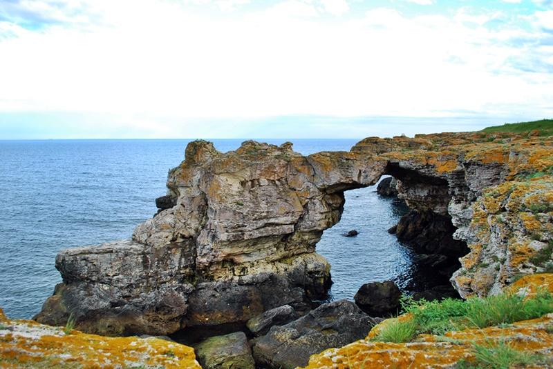 Tyulenovo-rock-arch