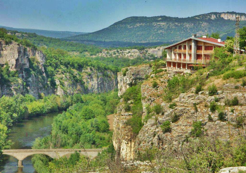 prohodna-cave-accommodation