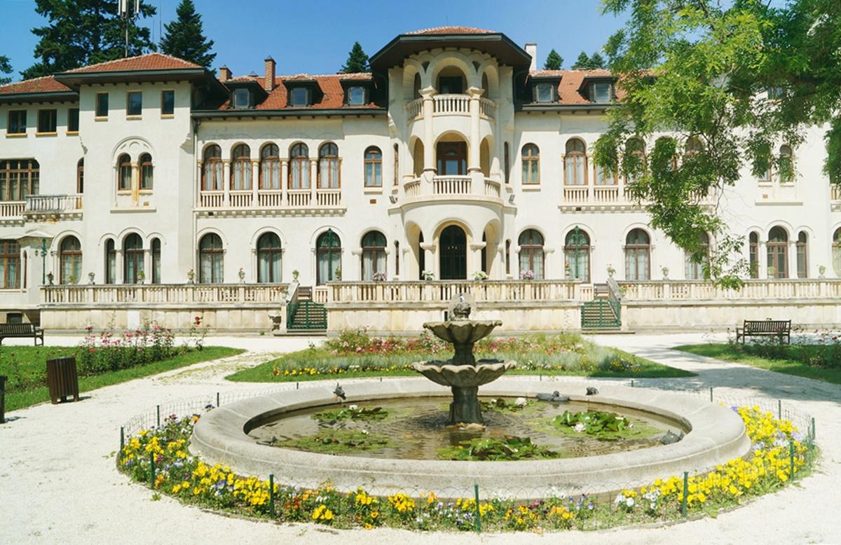 vrana-palace