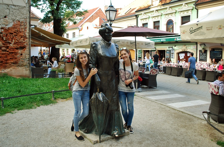 travel bloggers exploring zagreb