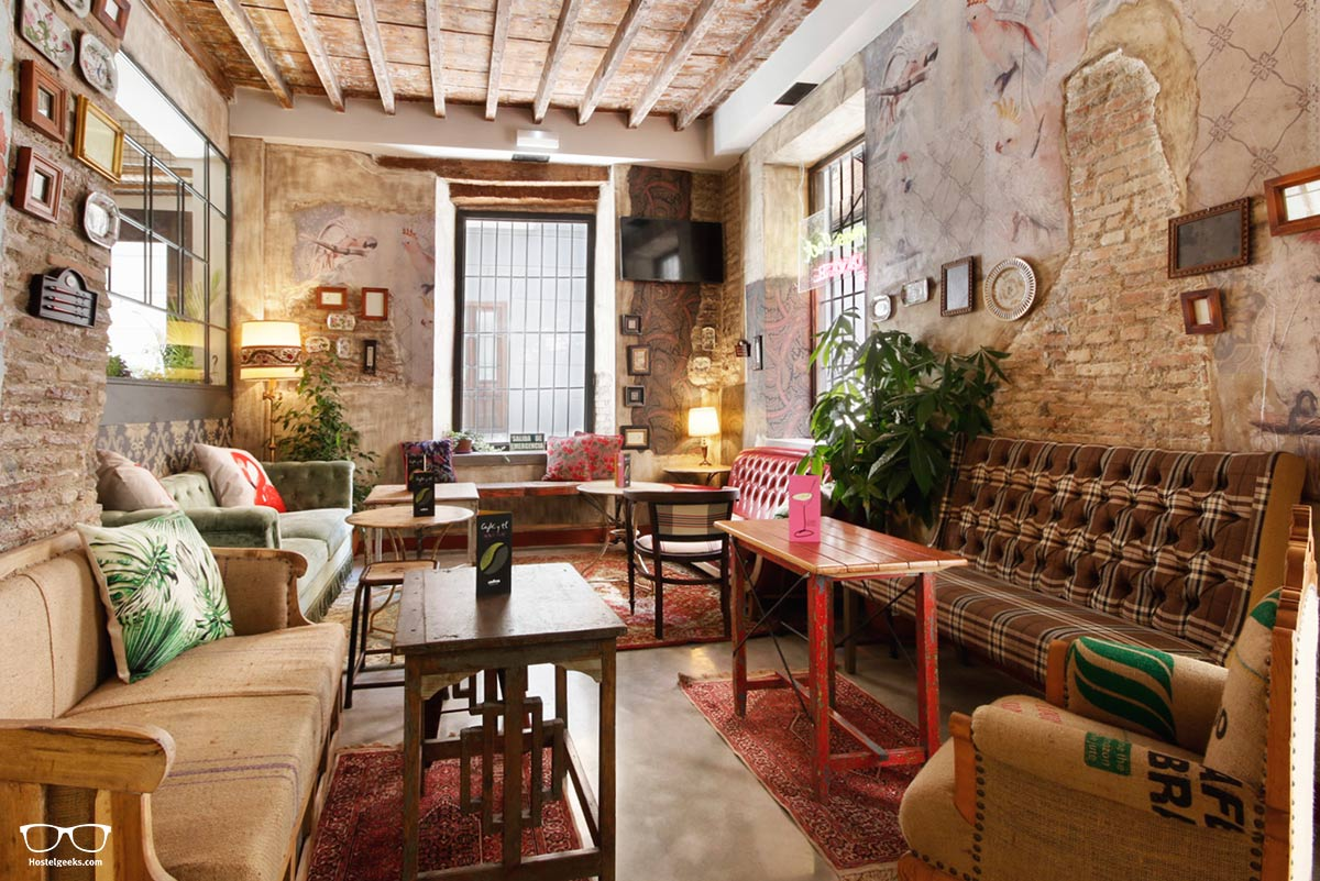 lemonrock boutique hostel granada